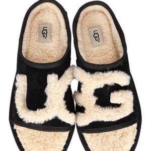 NWT Ugg slide slippers black/natural